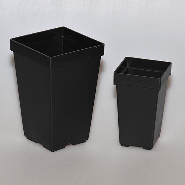 Depth square plastic pots, 7 x 7 x 11 cm